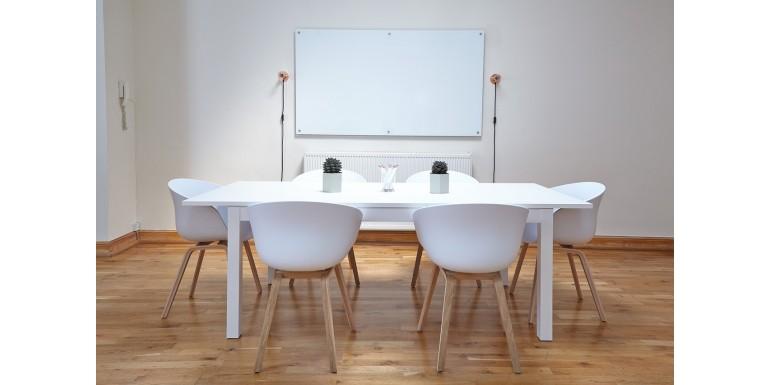 5 sfaturi pentru a folosi eficient o tabla magnetica la birou