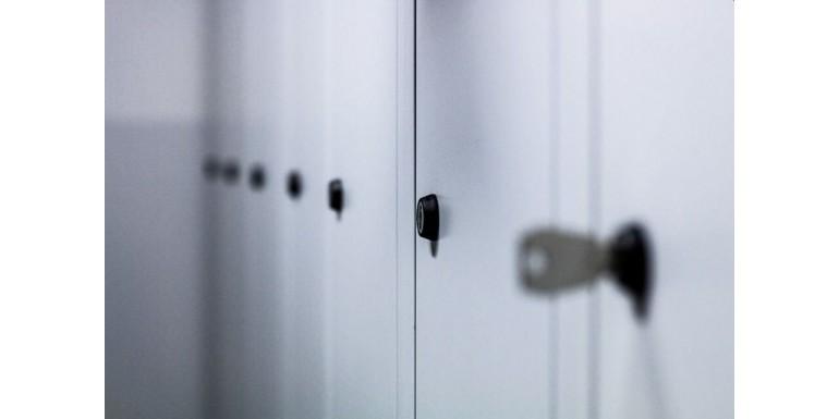 Mobileaza-ti casa in stil minimalist, cu aceste 3 modele de dulap metalic!