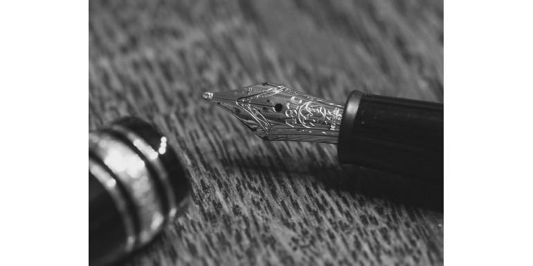 Scrie-ti numele in istorie, cu instrumentele de lux din oferta OfficeClass.ro!