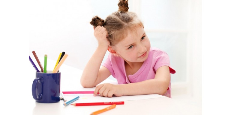 """Ce trebuie sa ii asiguri celui mic pentru """"school from home""""?"""