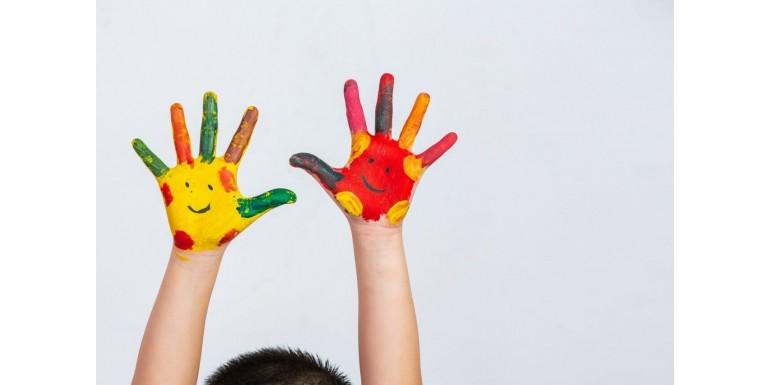 Activitati creative pentru copii – Stimuleaza-le imaginatia cu aceste idei accesibile si distractive!